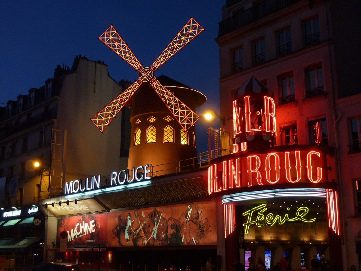 What to do in Paris - moulin rouge